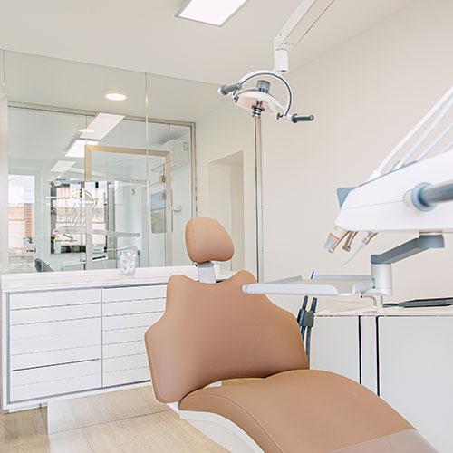 Zahnarzt in Rohrbach - Zahnarztpraxis - Maximilian Wessel - Praxis - Behandlungsraum